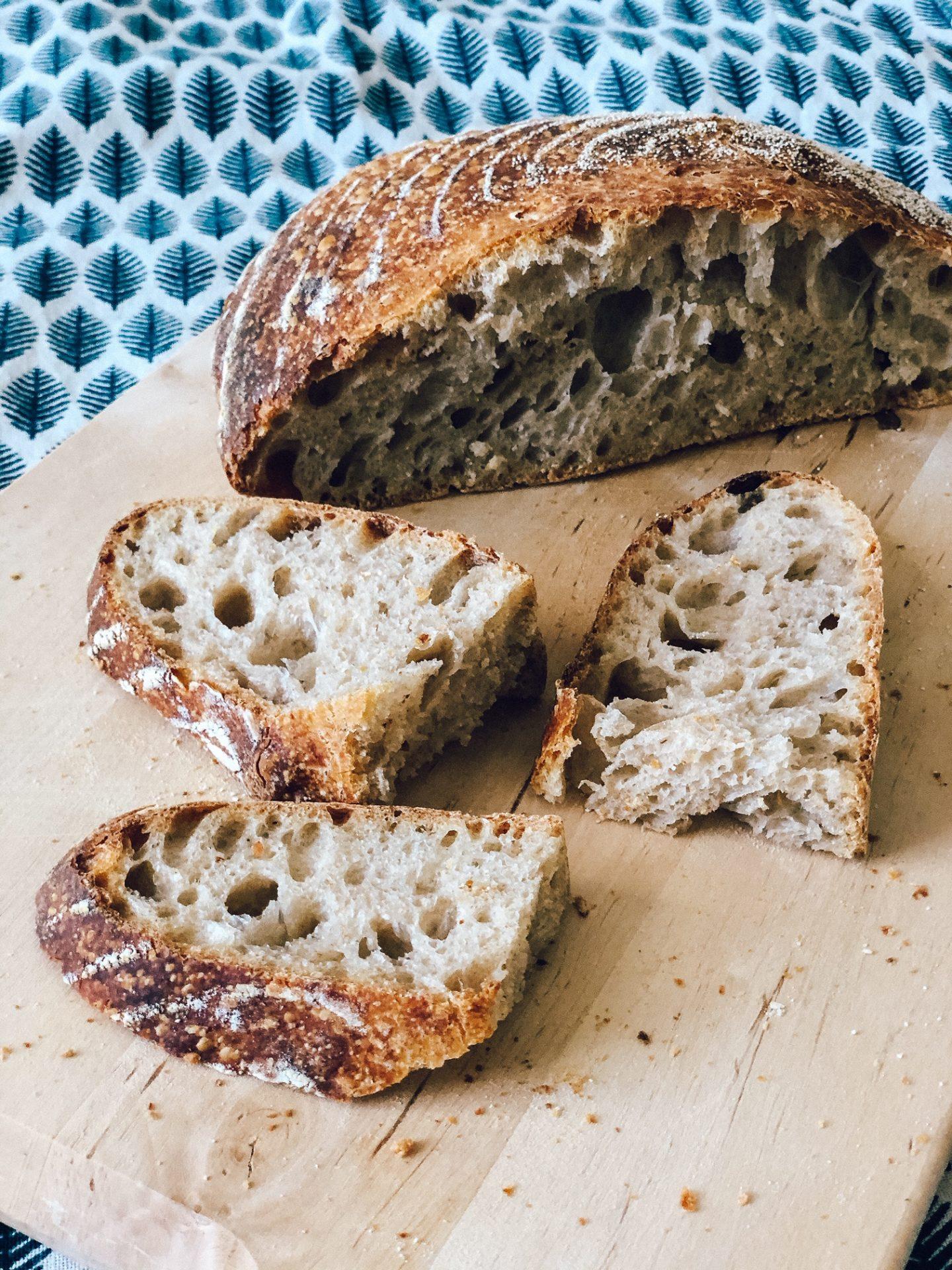 Učenje peke kruha z drožmi