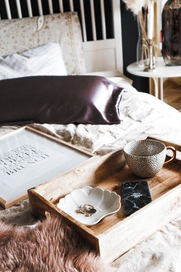 Carica sveta, spalnica detajli