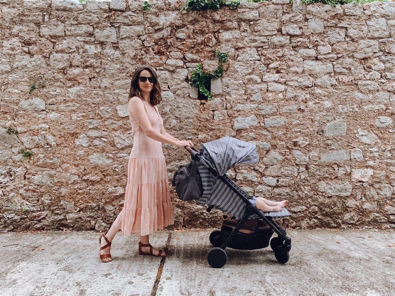 Prvo morje z dojenčkom - voziček marela Elodie Details Mondo