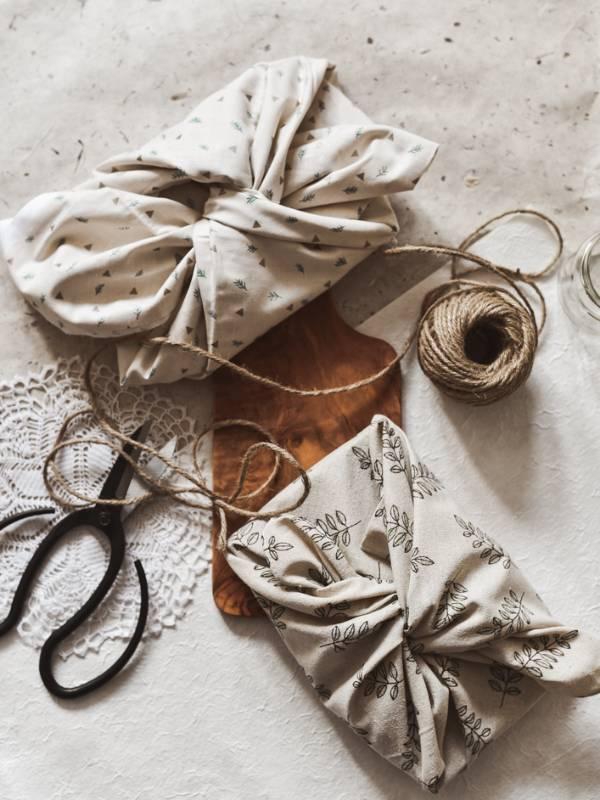 Furoshiki in trajnostno zavijanje daril