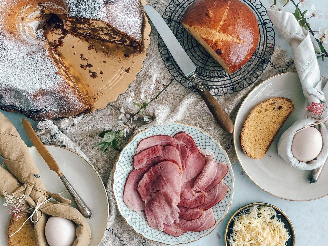 Velikonočni zajtrk_naslovna